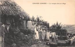 COMORES - H / La Mosquée Dans Un Village - Beau Cliché Animé - Comoros