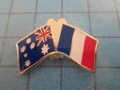 Pin715a Pin's Pins / SPORTS : DRAPEAUX FRANCE AUSTRALIE CA SENT LE RUGBY  Pas Commun Et De Belle Qualité ! - Rugby