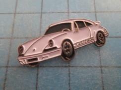Pin715a Pin's Pins / AUTOMOBILE : PORSCHE CARRERA BLANCHE   Pas Commun Et De Belle Qualité ! - Porsche