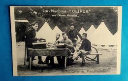 Cpa CARTE PHOTO MILITARIA  CAMP DE FONTAINEBLEAU 77 - MILITAIRES UTILISANT LA MACHINE OLIVER Dans L'ARMEE FRANCAISE - Matériel