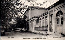 30 BESSEGES : Petit Villais - Les écoles (pliée) - Bessèges