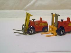 Lot De 2 Transpalettes Fab: MATCHBOX LESNEY - Toy Memorabilia