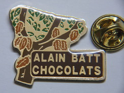 Pin's - Alimentation - Chocolat - Arbre à Fèves De CACAO - Cacaoyer - Chocolats Alain BATT - Food