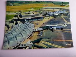 AIRPORT / FLUGHAFEN / AEROPORT  INTERNATIONAL LYON SATOLAS - Aérodromes