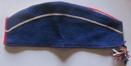 Ancien Calot Militaire, Fanafare Longueur 27 Cm, Bleu Blanc Rouge - Cascos