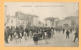 0277 CPA   GALLARGUES (Gard)  Arrivée De La Course Sur La Place De La Mairie  +++++++ - Gallargues-le-Montueux