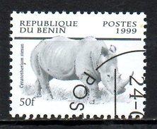 BENIN. N°874 Oblitéré De 1999. Rhinocéros. - Rhinozerosse