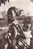 Afrique Noire        H35        ( Mère , Enfant , Photo Aircea Bangui ) - Cartes Postales