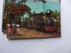 Fiji Sugar Train And Women - Fiji