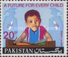 PAKISTAN MNH** STAMPS , 1974 Universal Children's Day - Pakistan