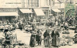 63  CLERMONT FERRAND   LE MARCHE SAINT PIERRE TRES ANIME  (TRES BON ETAT) - Clermont Ferrand