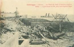 ZEEBRUGGE - Ruines - Le Phare Du Môle Et Bâteaux Anglais - Zeebrugge