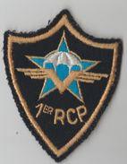 Ecusson Tissu Du 1er RCP Régiment De Chasseurs Parachutistes - Patches