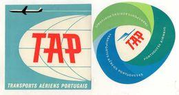 2 ETIQUETTES A BAGAGES Autocollantes TAP  Transportes Aereos Portugueses  ANNEES 1960 - Étiquettes à Bagages