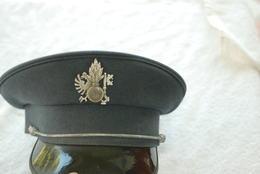 Casquette De Policier De Suisse Taile 59 - Casques & Coiffures