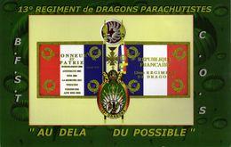 Militaria - CP  Photo De L'Etendard Du 13° Régiment De Dragons Parachutistes - - Bandiere