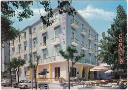 Cattolica: 2x FIAT 1100 & 1500, VW 1200 KÄFER/COX/MAGGIO - Hotel 'Corallo', Viale Carducci - (Italia) - Toerisme