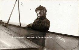 CARTE POSTALE PHOTO < ETAMPES-AEROPOLIS - L'AVIATEUR DE PONTAC AU VOLANT ! - Aviation