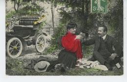 FEMMES - FRAU - LADY - Jolie Carte Fantaisie Couple Amoureux En Pique Nique Avec Automobile - Femmes