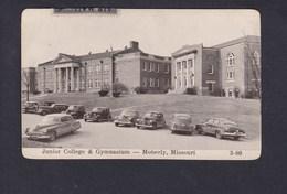 USA MO Moberly - Junior College & Gymnasium ( Oldtimer Cars Voitures Americaines  ) - Etats-Unis
