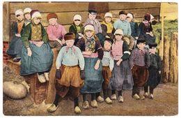 Marken - Groep Kinderen - Begin 1900 Tulpkaart - Marken