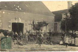 CPA N°2995 - SAINT BAULD - ATELIER MENARD - CONSTRUCTEUR D' INSTRUMENTS AGRICOLES - PLACE DE L' HOTEL DE VILLE - Andere Gemeenten