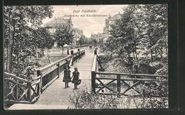 AK Bad Nauheim, Mädchen Auf Der Usabrücke, Blick In Die Küchlerstrasse - Bad Nauheim