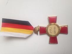 Medalla Cruz Conmemorativa XXV Años De Paz. 1964. Ejército Nacional. Guerra Civil Española. 1939-1964 - España