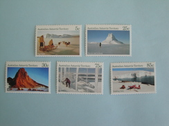 Antarctique Australien AAT 1984 Yvert 63/7  ** Paysages    Michel Ant 63 65 66 68 69  SG 64 68 69 74 75 Definitives - Unused Stamps