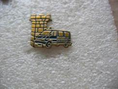 Pin's De La Brigade De Gendarmerie De La Ville De FORBACH. - Politie