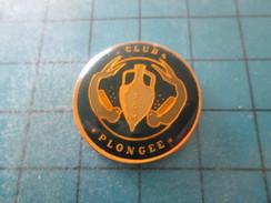 Pin615E Pin´s Pins / Beau Et Rare : SPORTS / CLUB DE PLONGEE SOUS-MARINE HOMME-GRENOUILLE AMPHORE - Diving