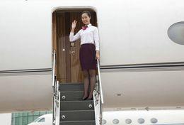 T80-112 ]  Flight Attendants Air Attendants Stewardesses Hostesses Cabin Crew , China Pre-paid Card, Postal Stationery - Jobs