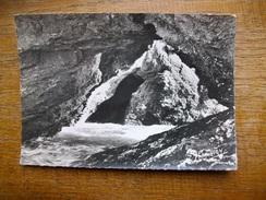 Belle-île-en-mer , Sauzon , Intérieur De La Grotte De L'apothicairerie - Belle Ile En Mer