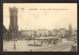 Ostende - La Place Vander Zweep En Face De La Gare - Oostende