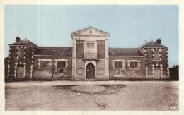 A  8678 - Courbouzon (41) La Mairie Et Les Ecoles - France