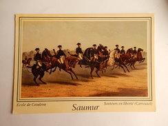 "Dep 49 Saumur 'cavalier A Cheval "" "" Ecole De Cavalerie "" Sauteurs En Liberté  ( Carrousel ) ( Neuve ) - Pferde"