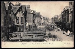 CPA ANCIENNE FRANCE- AMIENS (80)- LA RUE DU DON UN JOUR DE MARCHÉ- TRES BELLE ANIMATION- PASSERELLES GROS PLAN - Amiens