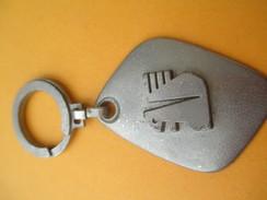 Porte-clé Métallique/Banque / Caisse D'Epargne Écureuil De Paris /Années 1960-1970  POC232 - Porte-clefs