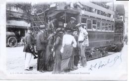 75 - Paris  Vécu  : Attente Au Tramway. - France
