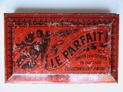 231 - Ancienne Boite Métal Tampon Encreur Pour Timbres « Le Parfait » - N°01 - Encriers
