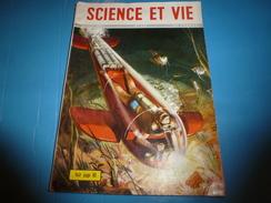 1952 SCIENCE Et VIE  N° 419--->Route Des Moutons De Provence Vers L'alpage; Gare Genève-Cornavin;Réseau Pneumatique;etc - Science