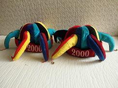 Déstockage Déguisement 2 Chapeau De Bouffon An 2000 Avec Ses Clochette Taille Moyenne 57/59. - Nouvel An
