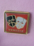 PIN´S   VENEZIA  (  Venise, Carnaval)   - Italie   (22) - Steden