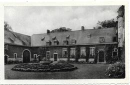 Ways NA1: Château De Ways-Ruart. Cour Intérieure Et Vieux Puits - Genappe