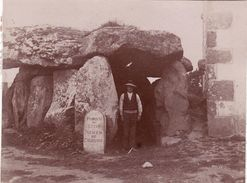 Photo 1893 Près AURAY, PLOUHARNEL - Le Dolmen De Crucuno (A177) - Auray