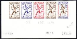 MAROC - N° 417 - J.O. De ROME - 30 F COURSE A PIEDS - BANDE DE 5 EN ESSAIS DE COULEURS - COIN DATE - LUXE. - Morocco (1956-...)