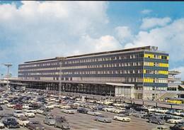 94----AEROPORT DE PARIS-ORLY--( Voitures Des Années 60 2CV + DS + PEUGEOT + AUTRES )--voir 2 Scans - Orly