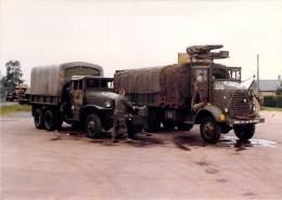 PHOTO MILITARIA (1980's) CAMIONS TRUCKS US - Réunion Véhicules Militaires Meeting Military Vehicule (17.7 X 12.6 Cm) - War, Military