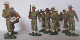 Figurine Starlux Soldats 10 Légionnaires Défilant En Tenue De Combat  (v) - Armee