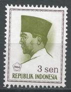 Indonesia 1966. Scott #669 (MH) President Sukarno, Président - Indonesia